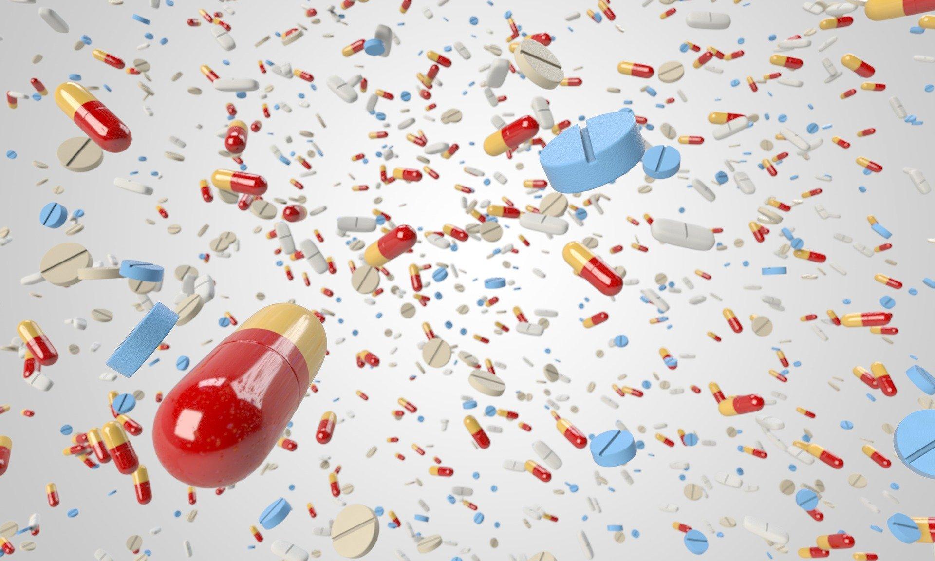 (Italiano) Antibiotici, Ecco Perché Non Ci Curano Più: 10.000 Morti L'anno